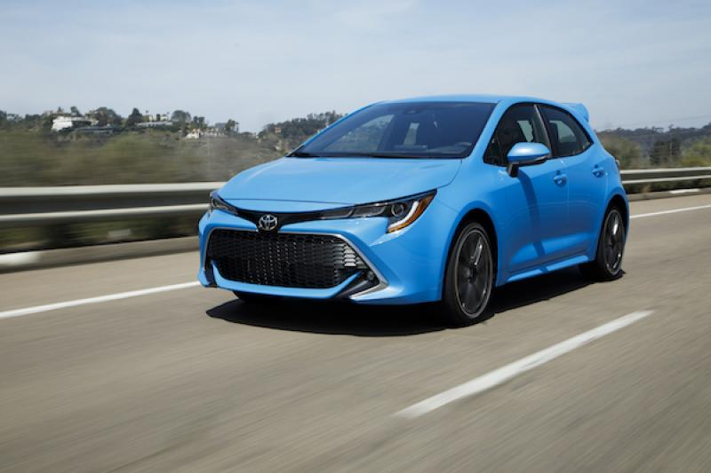 試駕大改款 Corolla 掀背車,外媒:Mazda 3 及 Civic 遇到強悍對手了!