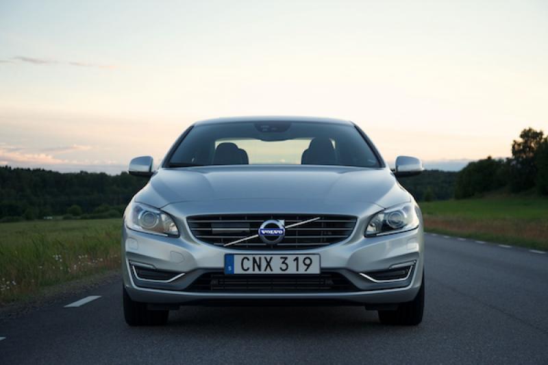今年夏天才會發表,外媒繪製出 Volvo S60 可能的車尾樣貌!