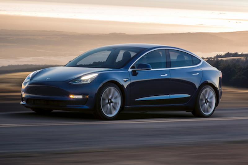 首輛 Tesla Model 3 現身台灣!但非台灣特斯拉導入