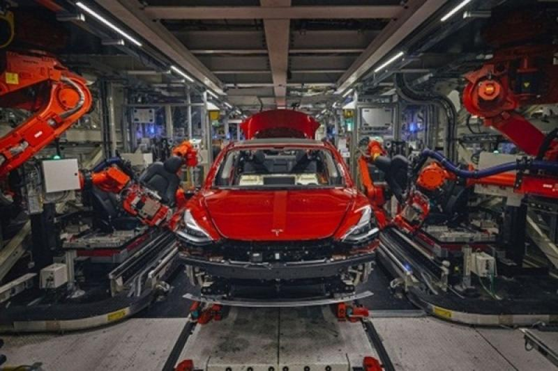 特斯拉超級工廠曝光 4大特點拚自動化造車