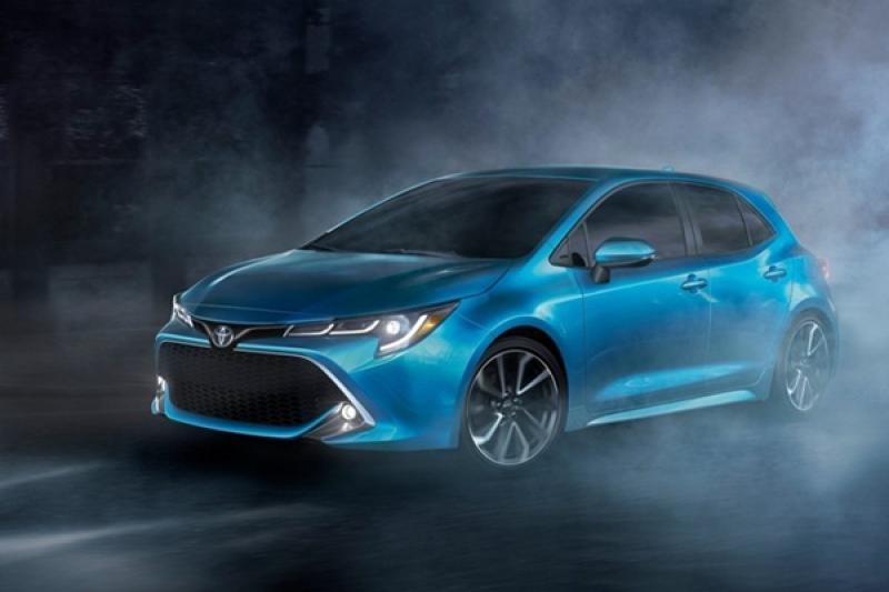 外觀、內裝全都露,Toyota Auris 台灣無偽裝實車照曝光!