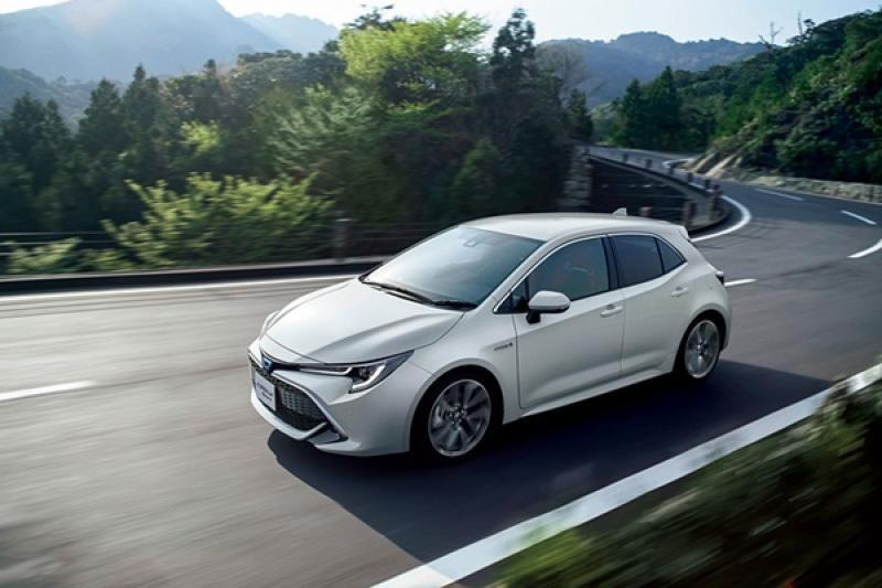 Toyota Auris 日本改個名字上市,連車頭 Logo 都不一樣!