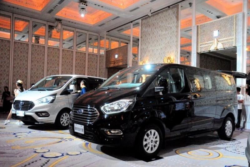 擁有 8 人座超靈活空間,Ford 旅行家小改款導入台灣!