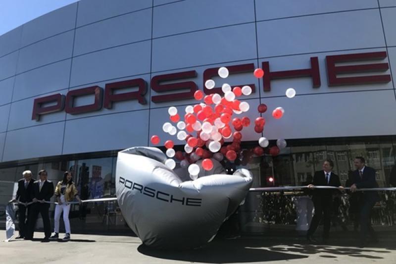 全球唯一「Porsche Werk 1」客廳,保時捷新北展示暨服務中心開幕!