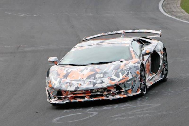 紐伯林賽道最快量產車!藍寶堅尼「大牛」技壓保時捷 911 全紀錄(內有完整影片)