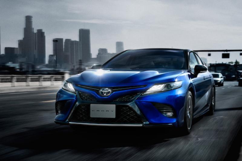 爸爸可能認不出來!Toyota 推 Camry 運動化車型,內外觀超年輕!