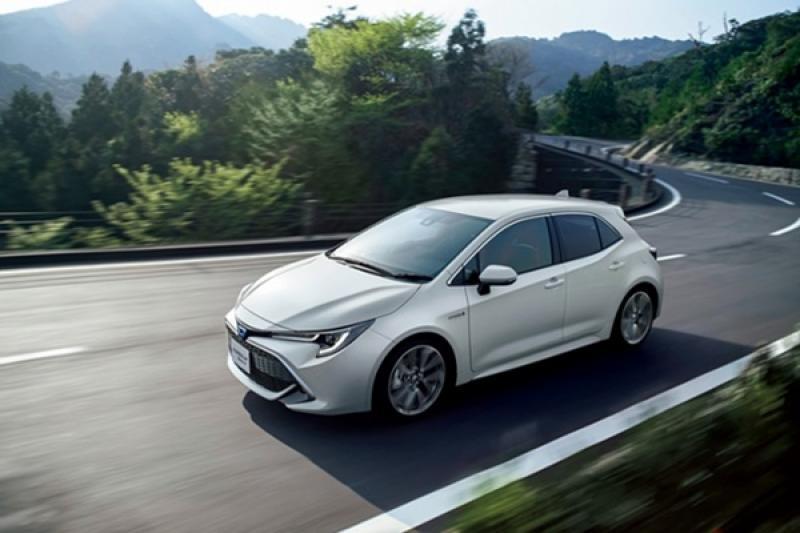 日規 Toyota Auris 有彩蛋,推「iMT 六速手排」系統!