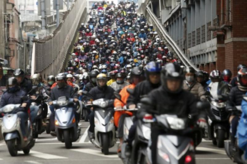 警政署公布台灣機車傷亡調查,死亡率最高非年輕騎士!