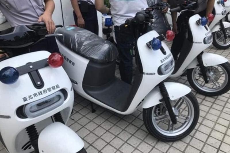 Gogoro 警車被嫌太醜,網友忍不住下手設計被推爆!