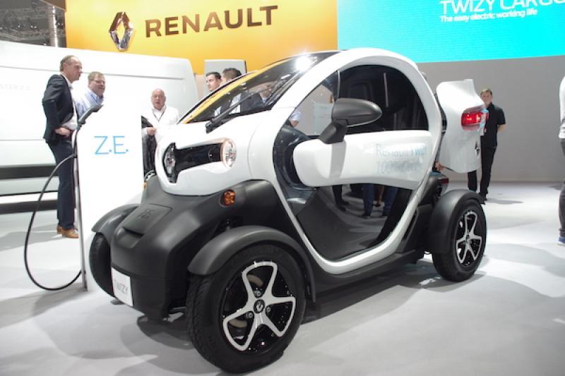 【現場直擊】不只適合上下班通勤,單人電動車還能化身市區小貨車!