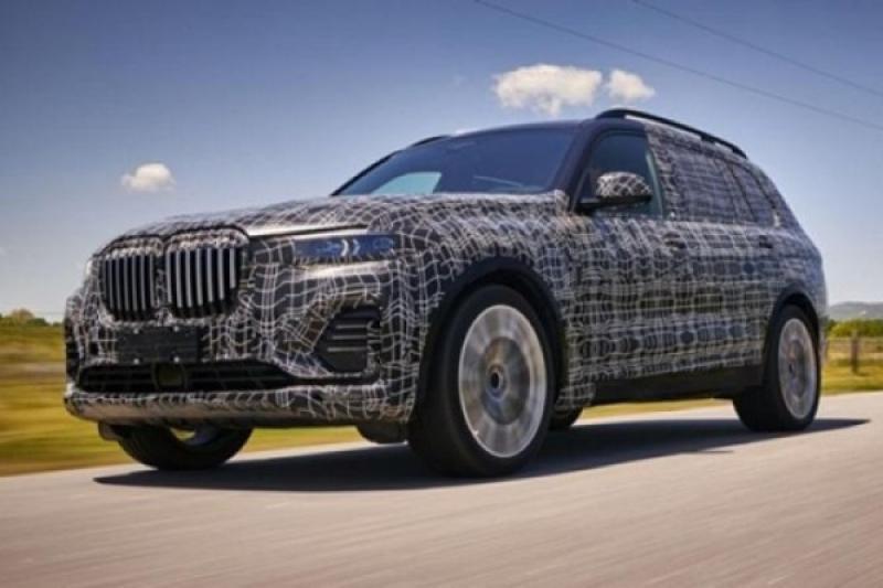 BMW 最新旗艦休旅 X7 內裝曝光,採三排六人座空間布局!