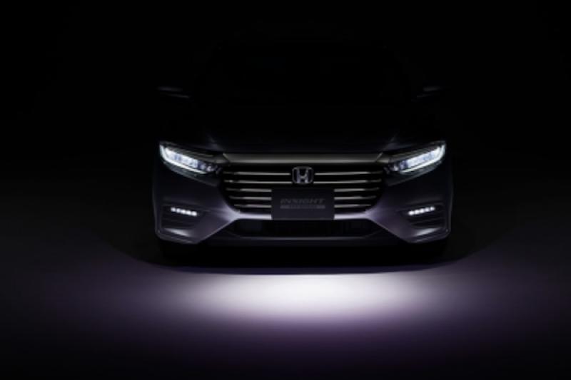 Prius 最強對手? Honda Insight 大改款油電車年底日本開賣