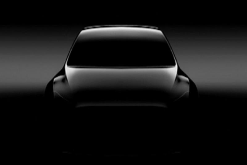 Tesla 電動跨界休旅問世不遠!Model Y 明年三月亮相