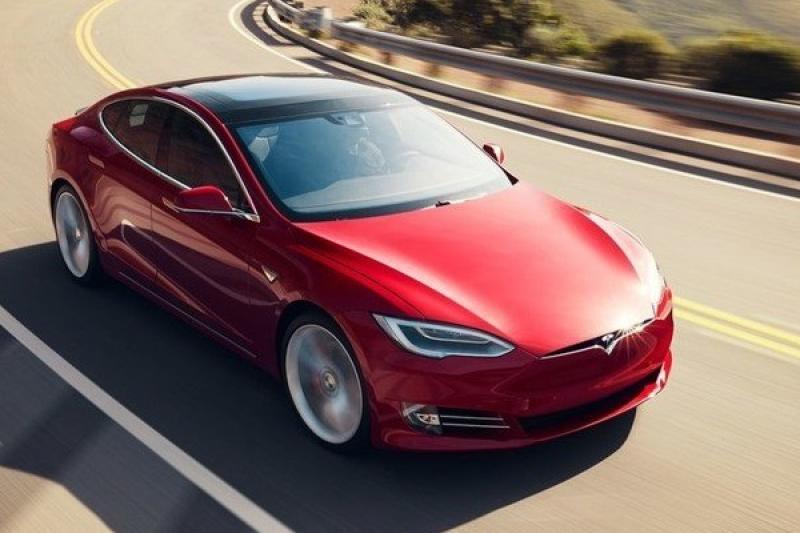 Tesla 身價上漲超過 600 億美元,首次超過 BMW!