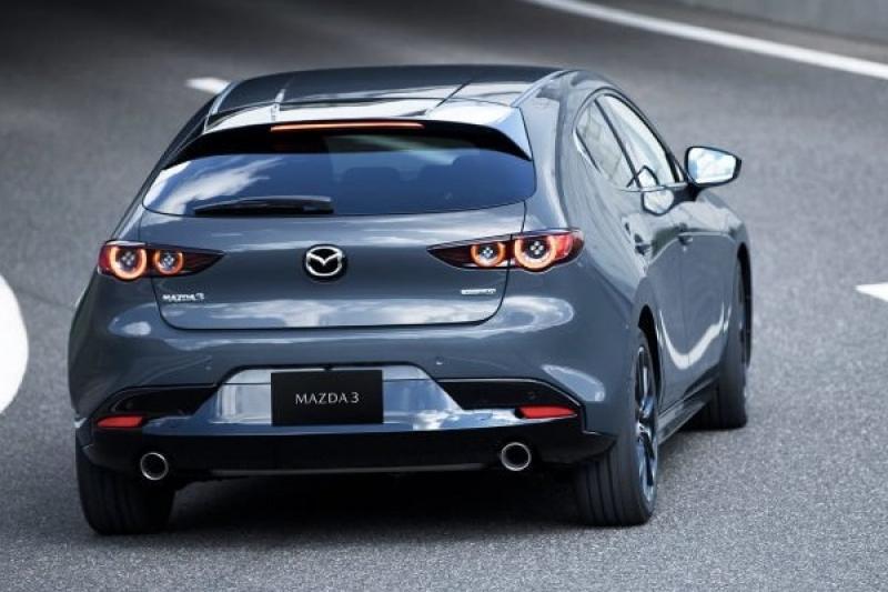 瞄準 Toyota Auris,大改款 Mazda 3 洛杉磯車展正式亮相!(內有相片集)
