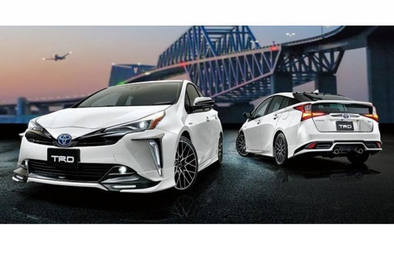 想讓小改款 Toyota Prius 更好看,TRD 改裝升級套件日本先開賣!