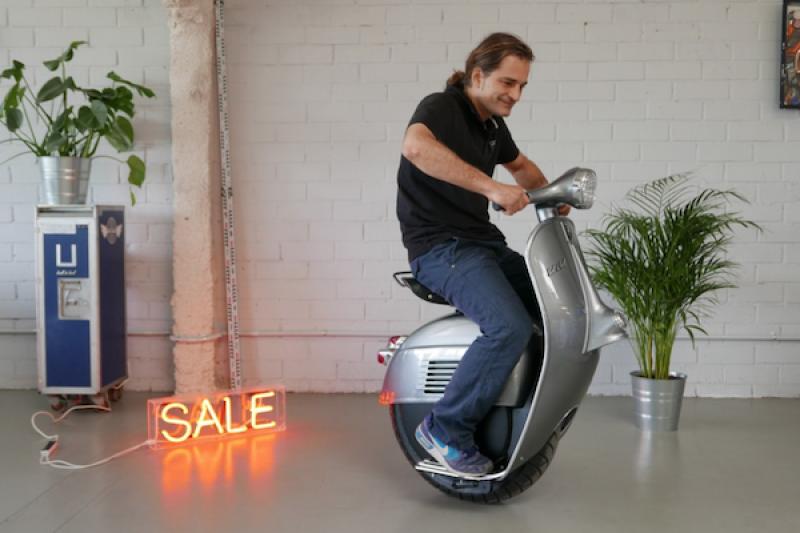 經典偉士牌設計!復古電動單輪車極速及續航力適合市區通勤