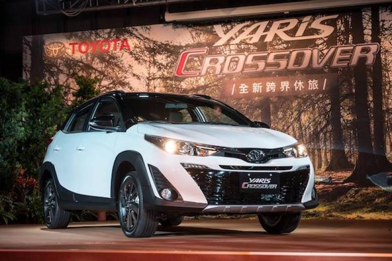 跨界小鴨來了!Toyota Yaris crossover 離地變高還升級運動懸吊