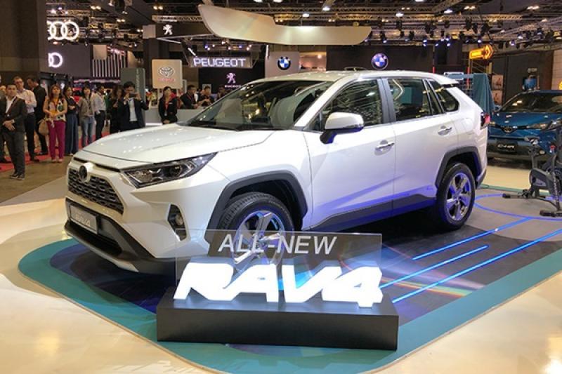 Toyota 大改款 RAV4 現身新加坡車展!台灣最快上市的時間點是…