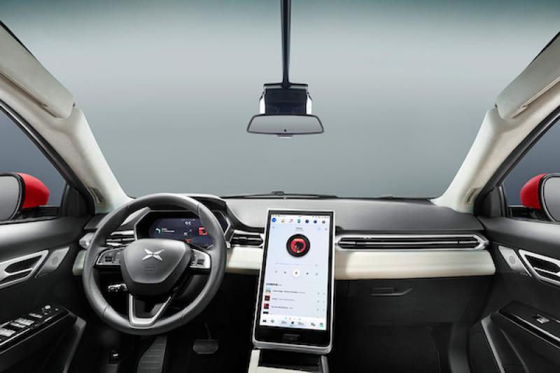 強國電動車內裝再爆山寨疑雲!這次輪到 Tesla Model X 遭殃