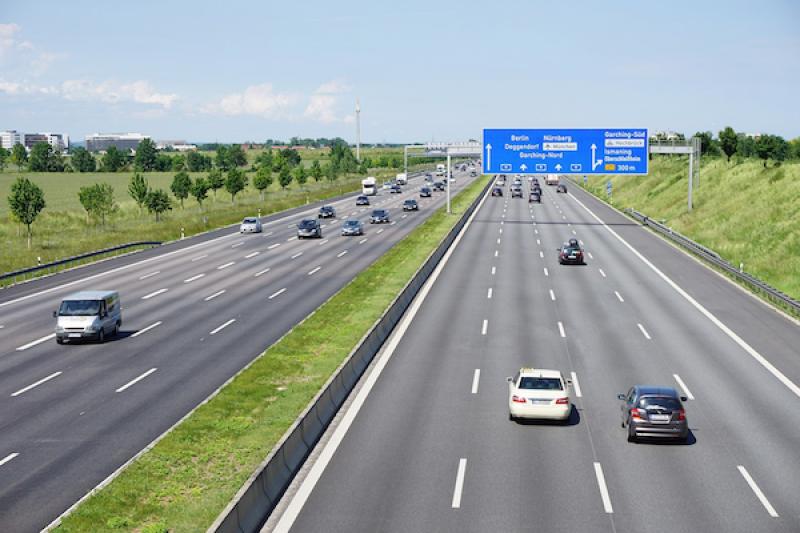 時速 300 只是基本!德國無速限高速公路最快紀錄前 10 名揭曉