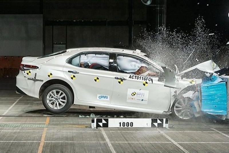又一國際安全機構幫背書,豐田 Camry 獲得 Asean NCAP 五星好評!(內有影片)