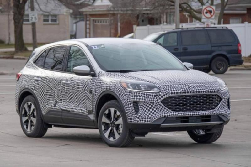 新一代 Ford Kuga 動力配置曝光,插電式混合動力現身!