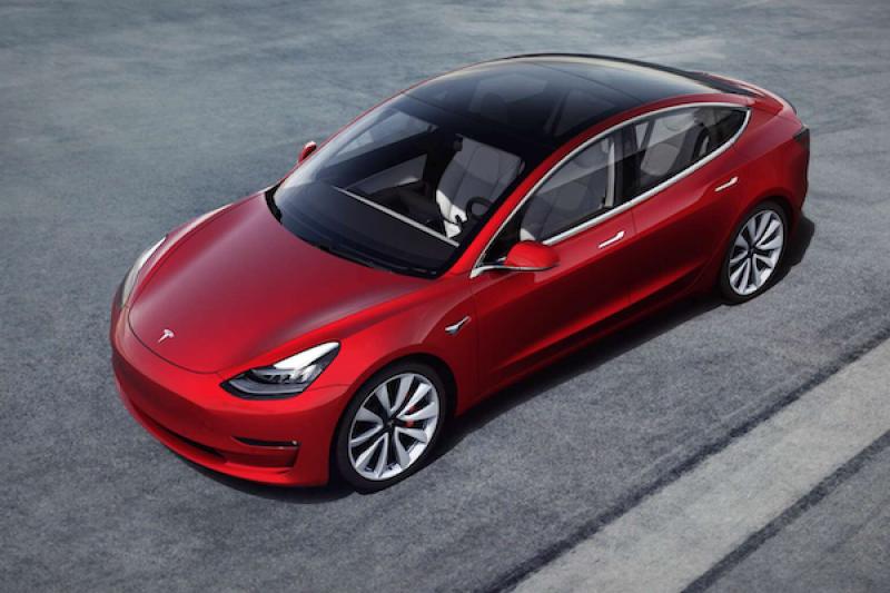 Tesla 推最便宜 110 萬有找電動車!Model 3 標準版有哪些配備?
