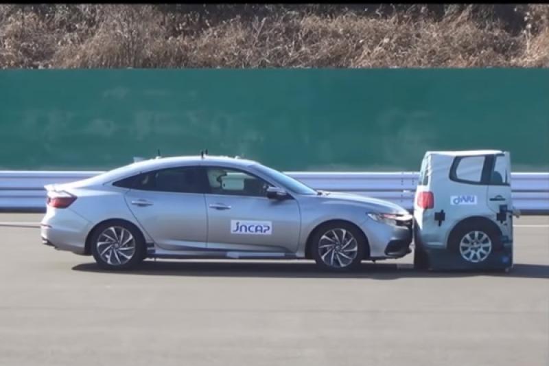 Honda 和 Toyota 車款受測自動煞停,兩輛差異性在哪?(內有影片)
