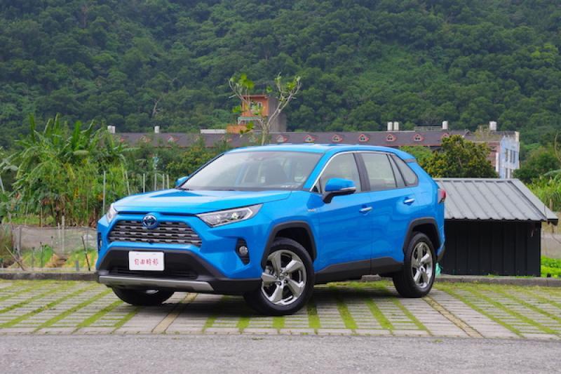 是個升級油電休旅的好時機!Toyota RAV4 2.5 Hybrid 旗艦試駕(內有影音)