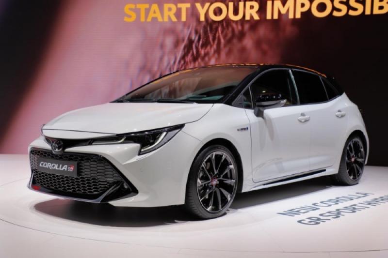 造型超吸睛!Toyota Auris 運動版、旅行車跨界版正式亮相