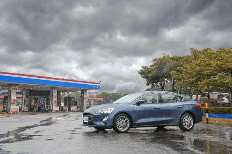 【油耗測試】Focus 新 1.5 三缸引擎有多省?市區+高速實測 200 公里見真章!
