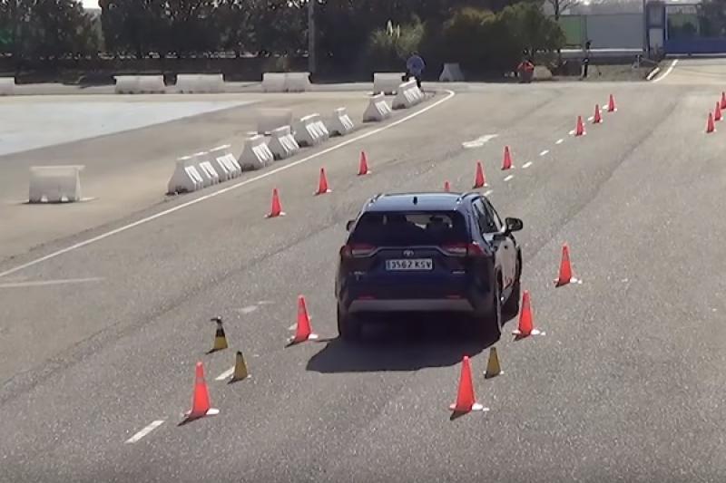 換上 TNGA 底盤,五代新 Toyota RAV4 挑戰麋鹿測試結果揭曉!〈內有影片〉