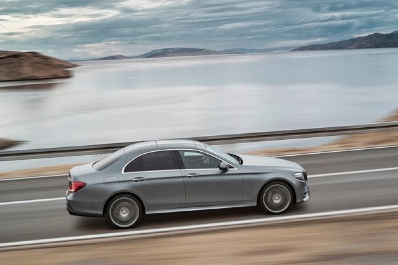 正 2019 年式 Mercedes-Benz E300 新登場,動力增強、標配 23p 智慧駕駛輔助套件!