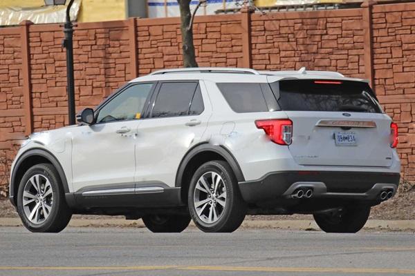 台灣今年要上市的 Ford Explorer 七人休旅,海外曝光新動力技術!