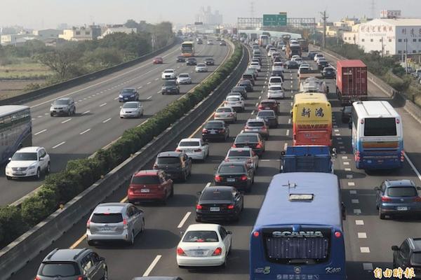 交通部推主要駕駛人制度 4/1 多項交通新制將上路