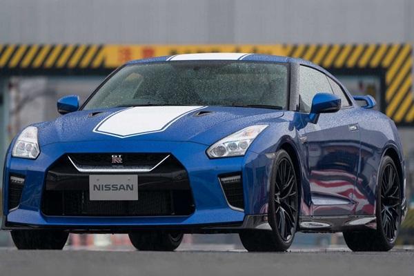 大改款前最後的熱身?Nissan 推出 GT-R 50 週年紀念版!(內有相片集)
