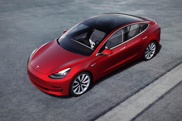 候車 3 年終於來了!Tesla 入門電動車 Model 3 現身台灣特斯拉