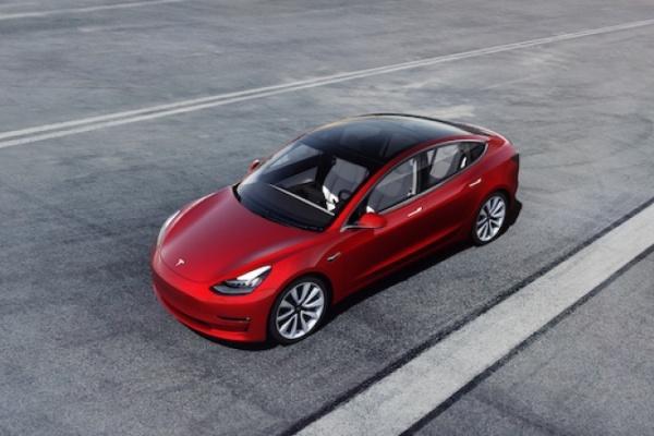 台灣將上市 Tesla Model 3 接受「麋鹿測試」,結果相當驚人!(內有影片)