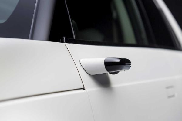 Honda 宣布電動車標配數位後視鏡,盲點範圍少一半!(內有影片)