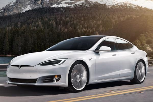 外媒爆料 Tesla Model S 將進行重大更新,換上全新內裝與更強動力!
