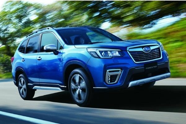 日 Subaru Forester 上市滿週年推新色,新增功能主打糊塗駕駛!