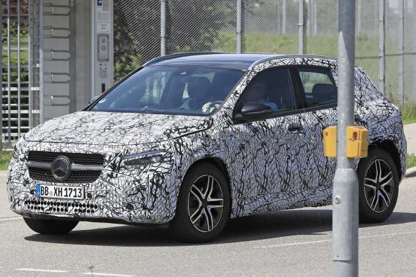 瞄準Lexus UX而來,賓士新一代GLA高清測試照曝光!