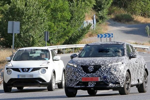 新舊款一起現身的畫面路上被捕獲!新一代 Nissan Juke 離正式發表不遠了