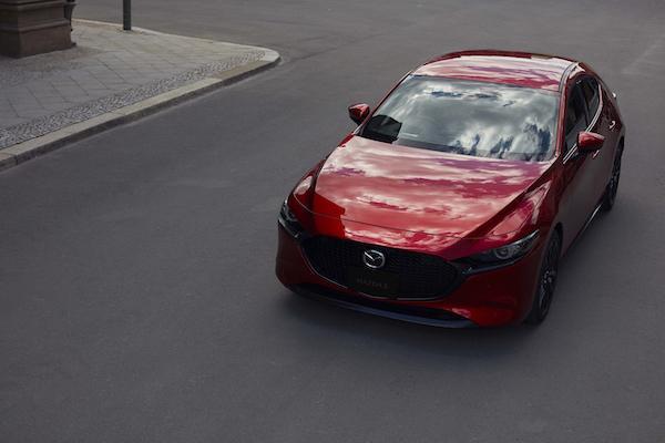 Mazda 3 搭新引擎 SKYACTIV-X 開起來表現如何?外媒試駕心得分享