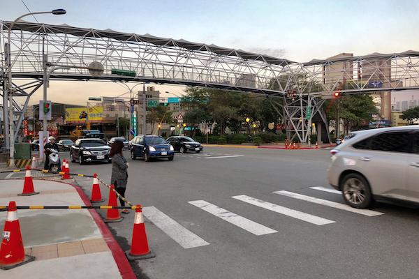 台灣人坐駕駛座就變了個人!來台日本人走斑馬線擔心被撞