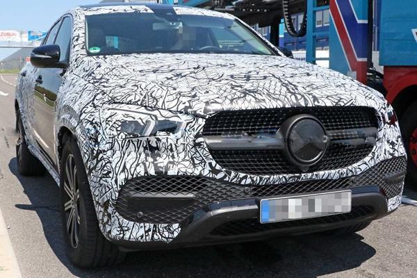 M.Benz 今年將再推第 5 部休旅新車,車尾美背是一大亮點!