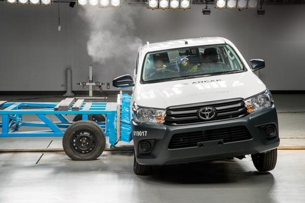 台灣 7/31 上市,Toyota Hilux 最新 ANCAP 安全評鑑出爐!(內有影片)