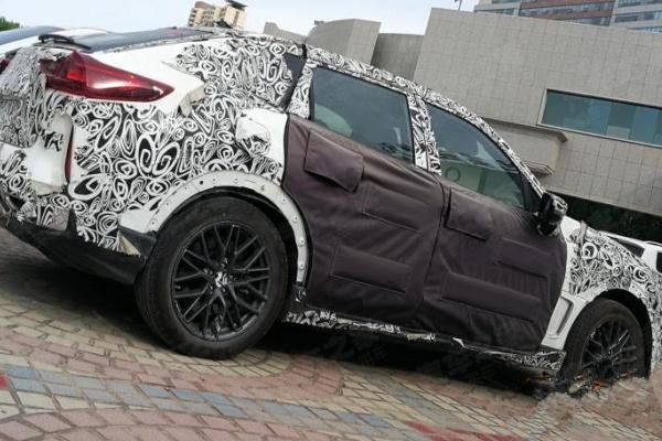 Luxgen 全新 Coupe 休旅偽裝現身,側面曲線運動化十足!