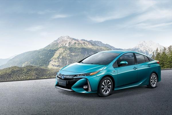 Toyota Prius PHV 小改款台灣發表,售價一次大降 22 萬!